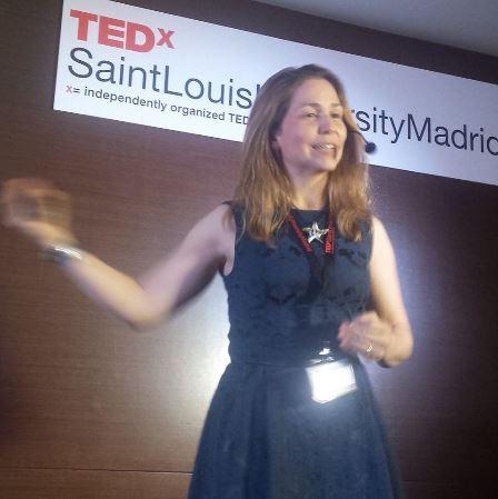 TEDx Speaker Maria Jesus Cuesta Creatividad Monstruos Dragones Robots Dinosaurios